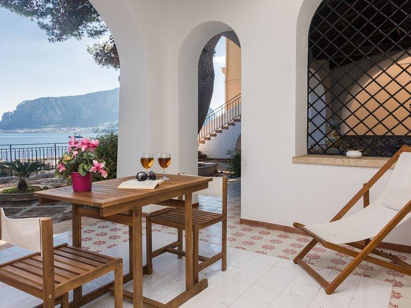 Villa Mallandrino appartamento Scirocco, vacation rental in Raffo