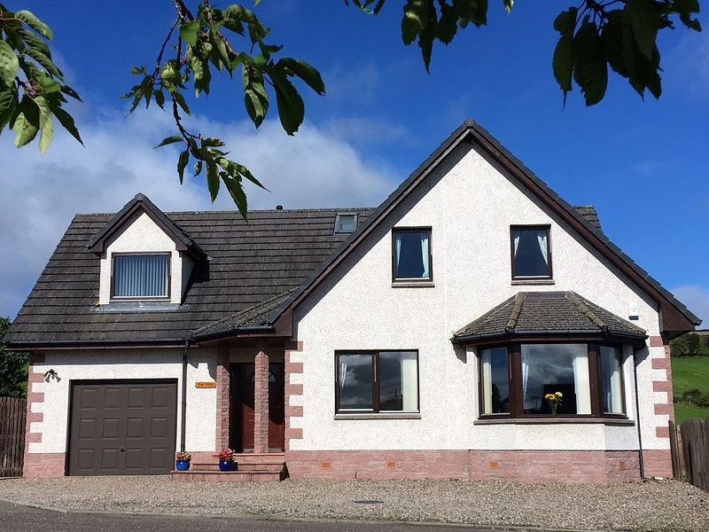 Brae View (Games room and stunning views), Ferienwohnung in Blairgowrie