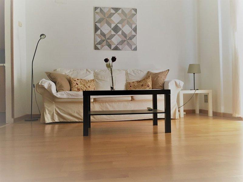 Aranjuez , Apartamento duplex zona Monumental . Desinfección con Ozono., aluguéis de temporada em Sesena Nuevo