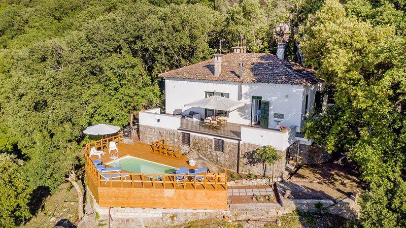 Villa Cosimo whith pool, vacation rental in Isnello
