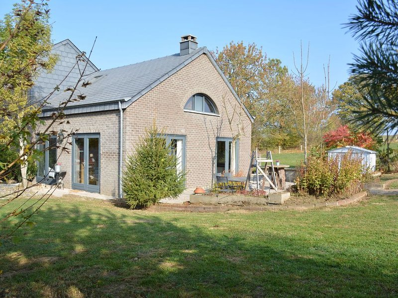 Tranquil Home in La Roche-en-Ardenne near Forest, vacation rental in La Roche-en-Ardenne