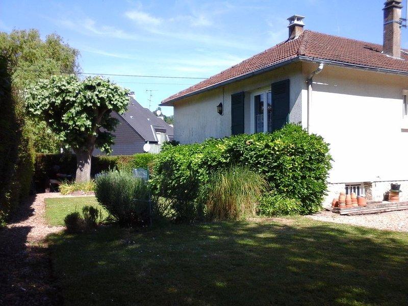 maison avec jardin au charme rétro, holiday rental in Honfleur