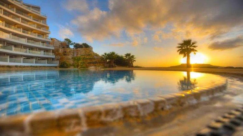 Sunset Horizon Luxury Apartment, alquiler vacacional en Ghasri