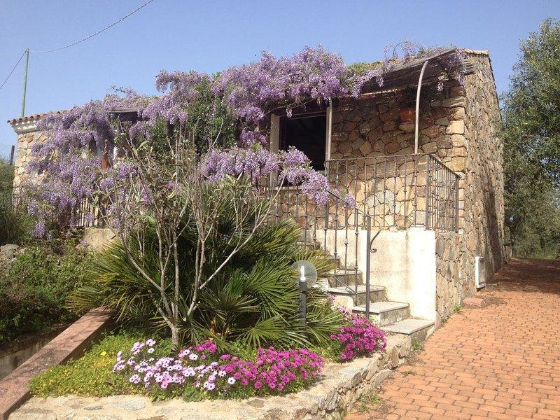 Stazzo Isola Rossa di Gallura, alquiler vacacional en Paduledda