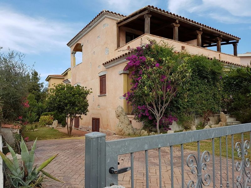 Casa vacanze Sardegna Family mare&relax, holiday rental in Limpiddu