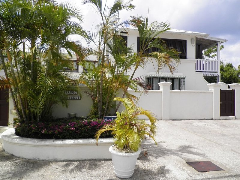 Charming West Coast Two Bedroom Apartment - Close to Lovely Beaches, holiday rental in Porters