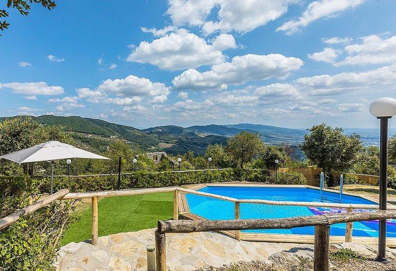 Villa Alvise, rimborso completo con voucher*: Un'incantevole villa su due piani, holiday rental in Montevettolini