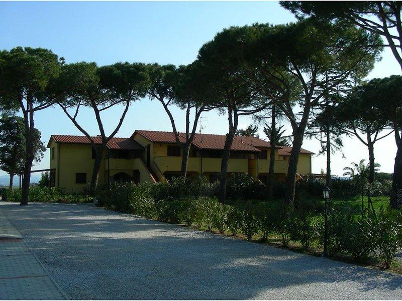 Appartamento in residence con giardino vicino al mare, aluguéis de temporada em Vignale