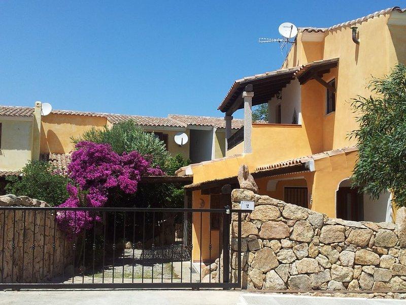 Casa Vacanze Sardegna, loc.  Vaccileddi, Porto San Paolo - Porto Taverna, Olbia, vacation rental in Vaccileddi