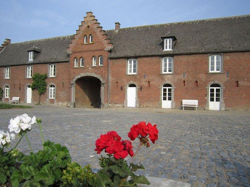 Elegant Holiday Home in Gembloux with Barbecue, location de vacances à Pont-a-Celles