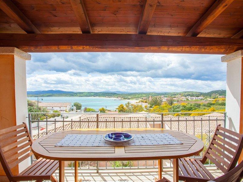 Klodge | Maestrale Flat: vista panoramica 150mt Spiaggia Pittulongu, alquiler de vacaciones en Pittulongu
