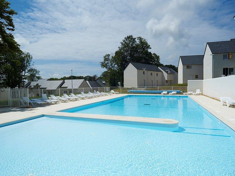 Super endroit ! Maison cosy et charmante à 10 mins de la Plage, avec piscine sur, alquiler de vacaciones en Audierne