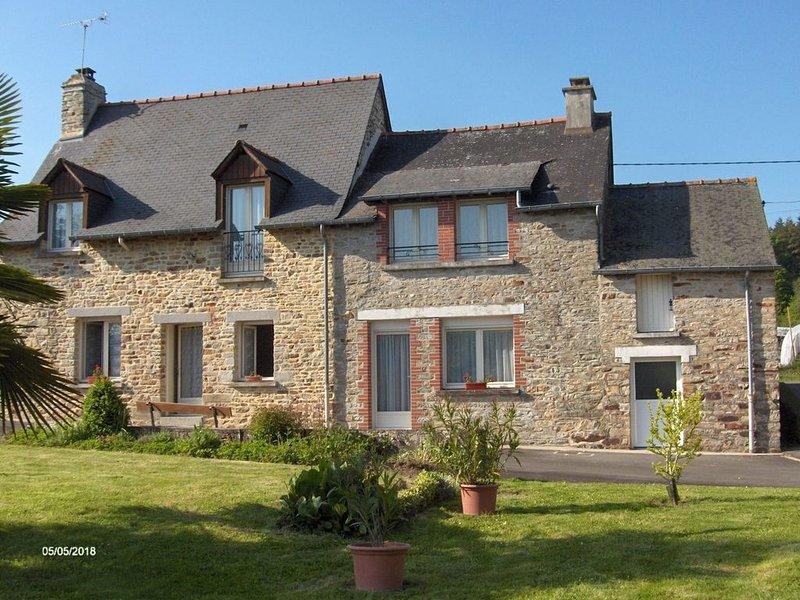 Maison 4 chambres au calme en campagne rennaise, vacation rental in Val-d'Ize