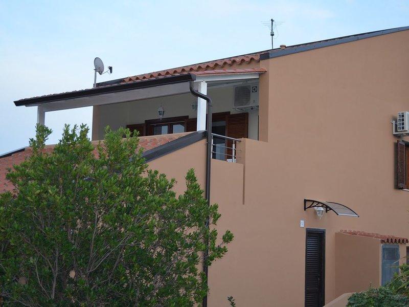 Costa rei splendida casa a pochi passi dal mare (180 metri), vacation rental in Costa Rei