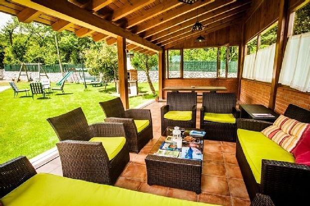 Apartamento rural Aptos. Pradón de Santa Marina para 2 personas, holiday rental in Alles