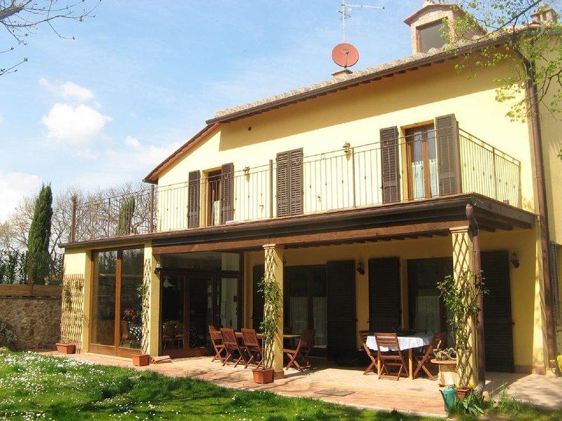 Façade sud: jardin, patio et terrasse