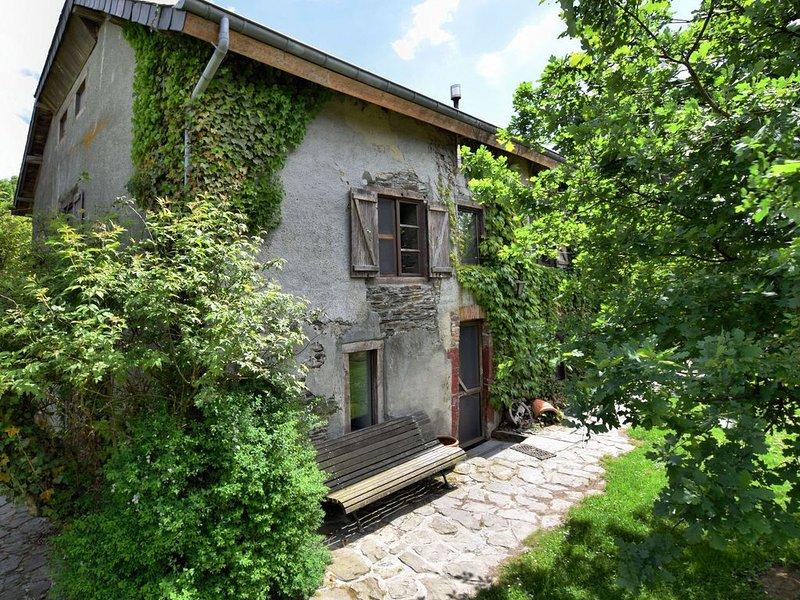 Provincial Holiday Home with Garden in Gouvy, location de vacances à Gouvy