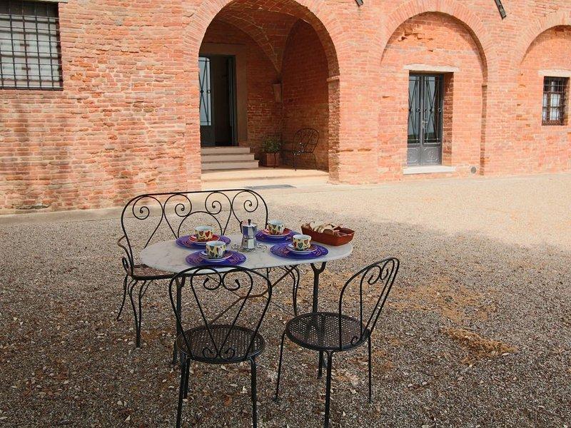 Peaceful Farmhouse in  Montepulciano with Pool, alquiler de vacaciones en Valiano