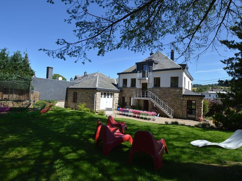 Large, luxury holiday villa for large groups with sauna and fitness, location de vacances à Waimes