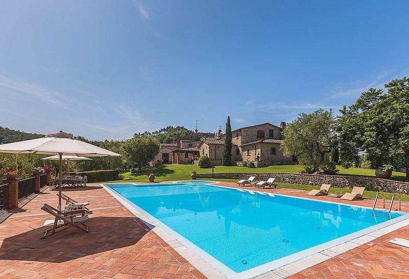 Villa Eccelsa, rimborso completo con voucher*: Una elegante ed accogliente villa, alquiler vacacional en Grotta Giusti