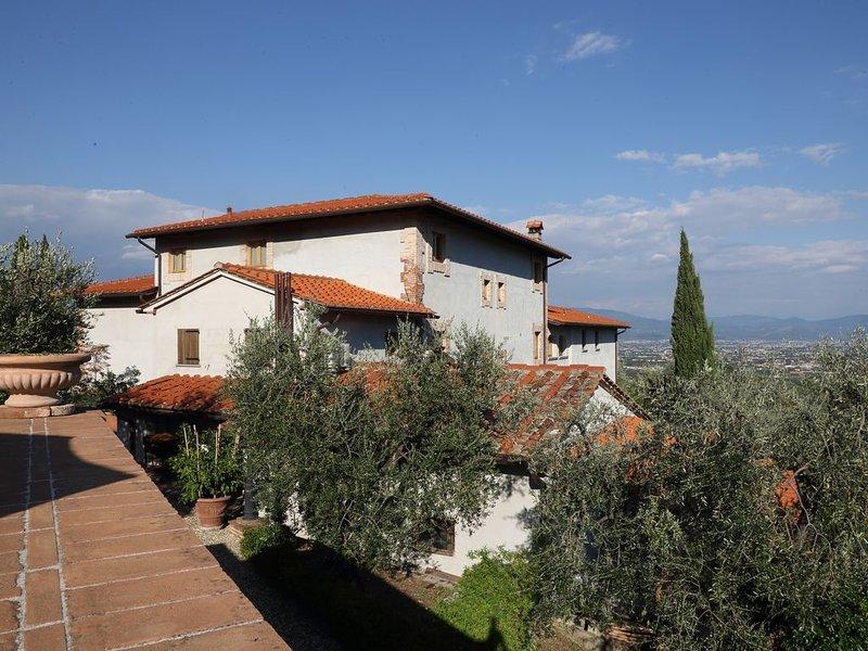Appartamento 2 camere - 1 bagno - 5 posti letto  - wifi - piscina, holiday rental in Serravalle Pistoiese