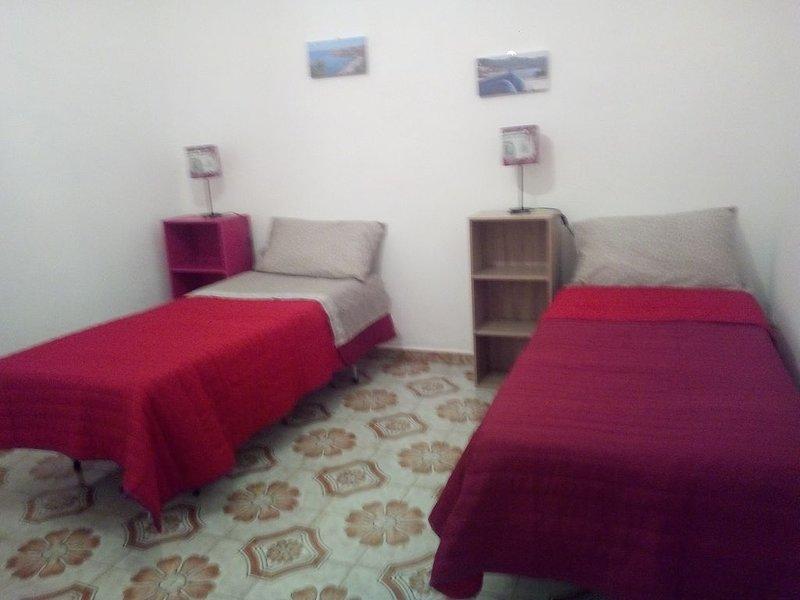 Casa vacanza Sofy a 20 minuti dalla spiaggia, holiday rental in Montemaggiore Belsito