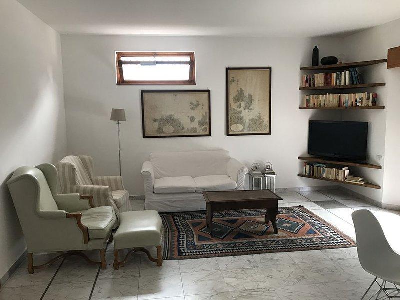 Villa Franca - Ampio e luminoso trilocale a due passi dal centro, holiday rental in Sorisole