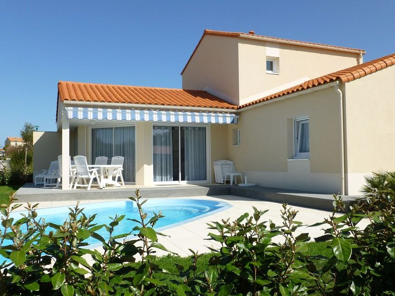 Luxurious villa with dishwasher, only 800 m. from the sea, location de vacances à Chateau-d'Olonne