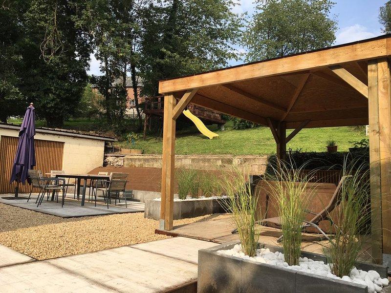 Gîte touristique de 9 personnes entièrement rénové, location de vacances à Namur
