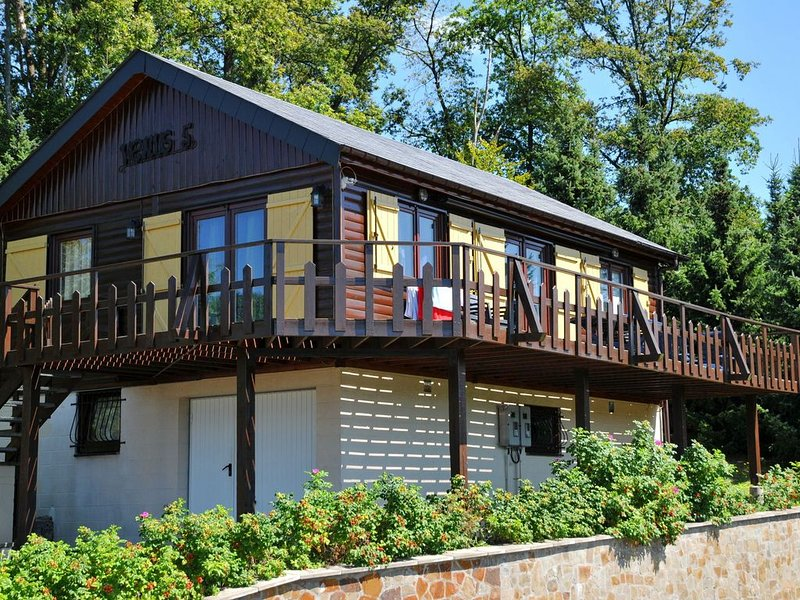 Peaceful Holiday Home in La Roche with Sauna, vacation rental in La Roche-en-Ardenne
