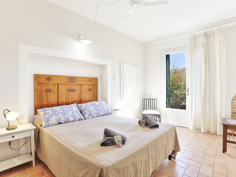 Ferienwohnung Palaia für 1 - 4 Personen mit 2 Schlafzimmern - Bauernhaus, holiday rental in Partino