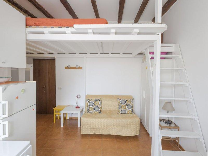 Nest between clouds and Navigli - Nido tra nuvole e navigli, location de vacances à Pontesesto