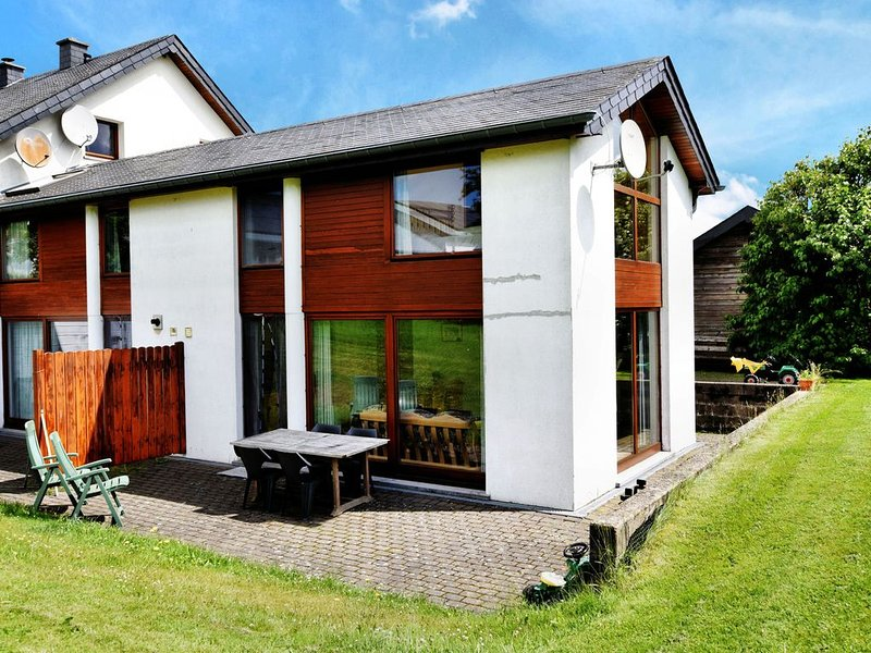 Comfortable Holiday Home in St Vith, holiday rental in Bleialf