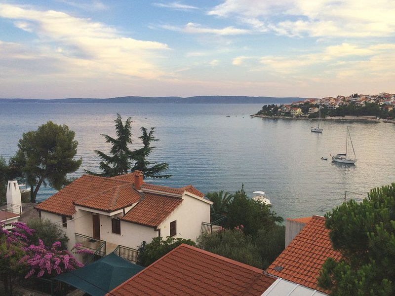 Spacious apartment in a single family home, near Trogir, vacation rental in Okrug Gornji