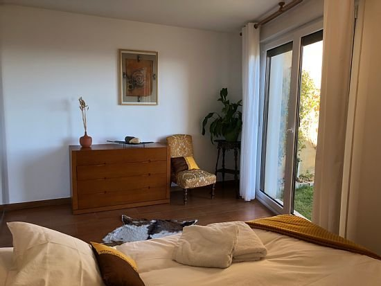 Apartamento rural Agrovilla Ujué (CEREAL)para 2+1, alquiler íntegro, vacation rental in Falces