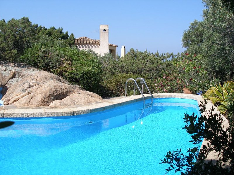 Architect-designed villa, spectacular sea views, pool, vacation rental in Arzachena