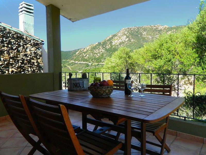 Villetta indipendente con giardino privato., vacation rental in Villasimius