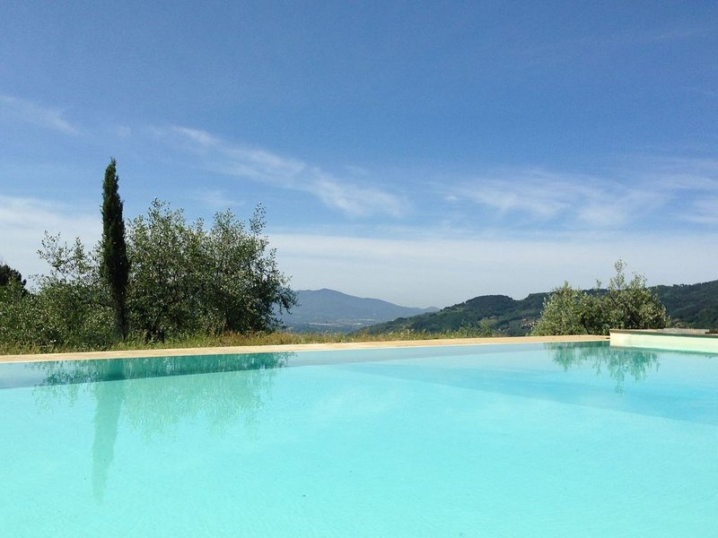 Modern Holiday Home in Pescia Tuscany with Swimming Pool, vacation rental in Pescia