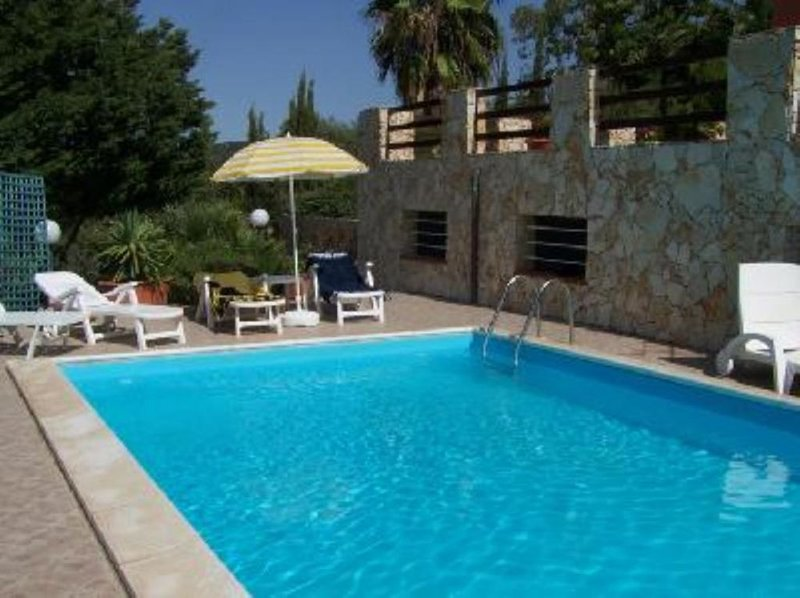 Exclusive Villa for your relaxation in Alghero, holiday rental in Alghero