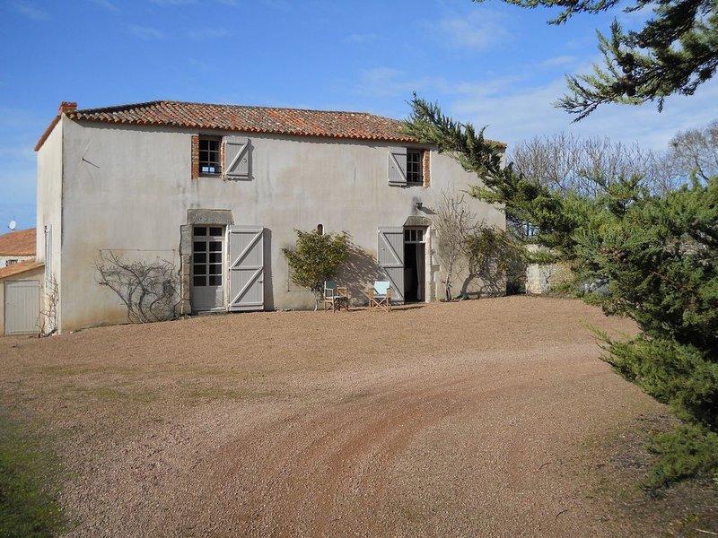 Maison de caractère à 400 m de l'Océan, holiday rental in Saint-Hilaire-la-Foret