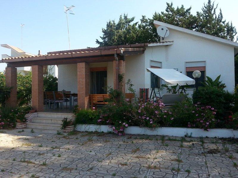 VILLA DEI FIORI MENFI A POCHI PASSI DAL MARE, holiday rental in Porto Palo