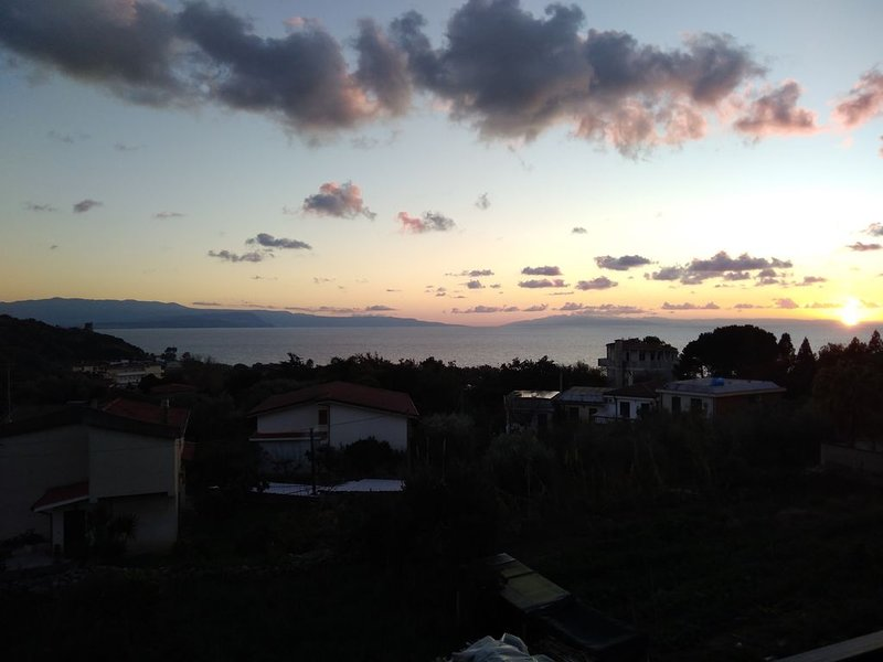 Villa Charlotte a Joppolo tra Nicotera ricadi tropea, holiday rental in Joppolo