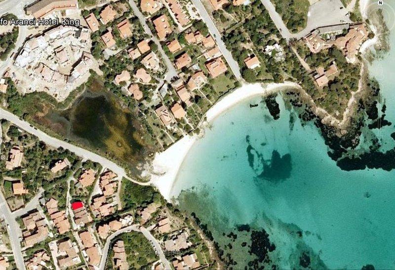 APPARTAMENTO A 100 METRI DALLA SPIAGGIA 'CISTO PICCOLO', holiday rental in Golfo Aranci