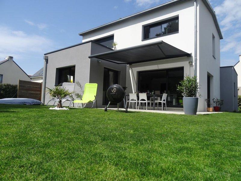 Maison moderne proche centre de la Baule, commerces, 1.5km de la plage, casa vacanza a Guerande