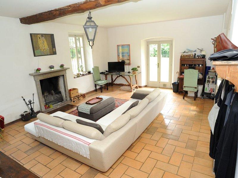 Villa Guardia: Splendido rustico immerso nel verde vicino al lago di Como, Milan, holiday rental in Turate