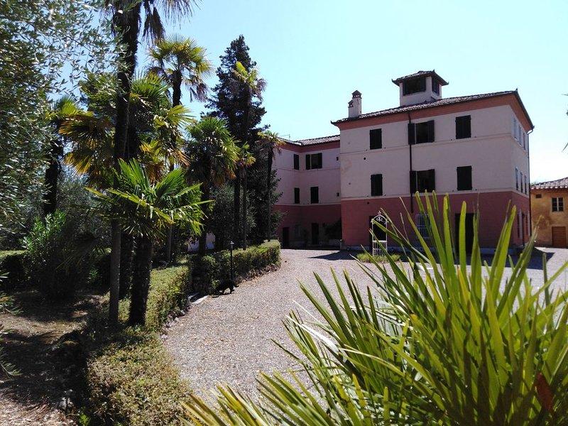 Villa Pergola - andiamo per una vacanza vintage!, casa vacanza a Taverne d'Arbia