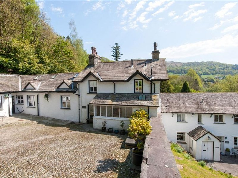 Croft Cottage - Two Bedroom House, Sleeps 3, holiday rental in Loughrigg