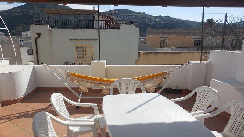 Attico Lipari signorile 6 letti, holiday rental in Santa Margherita