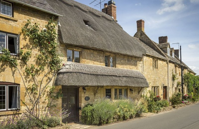 Inglenook Cottage is a luxury holiday cottage situated in the idyllic Cotswold v, holiday rental in Paxford