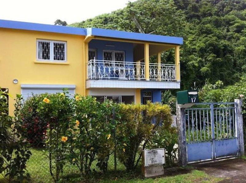 Grande villa Maison avec jardin, holiday rental in Arrondissement of Saint-Pierre